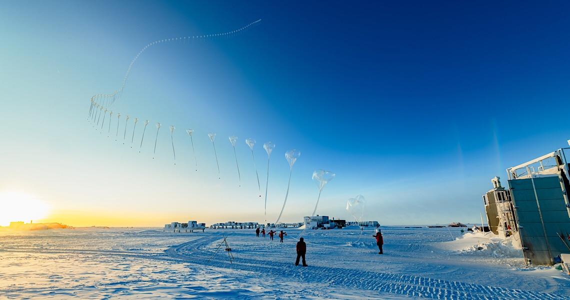 Buraco de ozônio na Antártica, grande e profundo, persiste em novembro