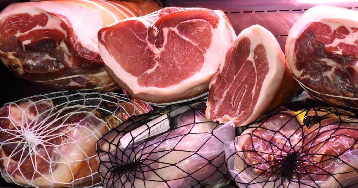 China diz que carne de porco do Brasil está contaminada com covid-19