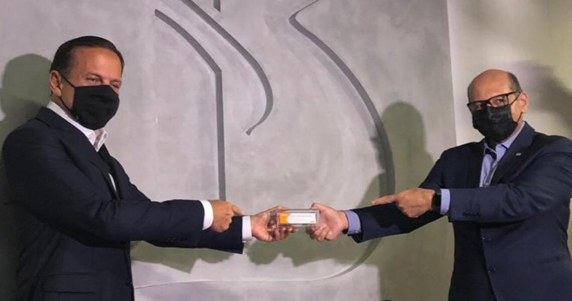 Anvisa anuncia retomada de testes com a CoronaVac