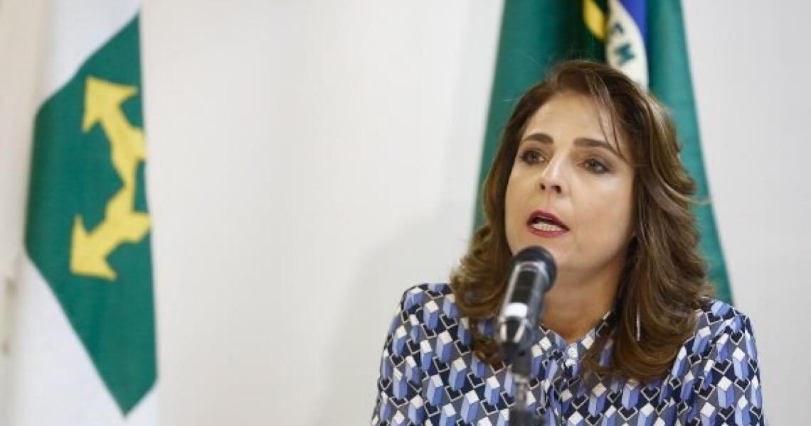 Bolsonaro reconduz Márcia Abrahão como reitora da Universidade de Brasília
