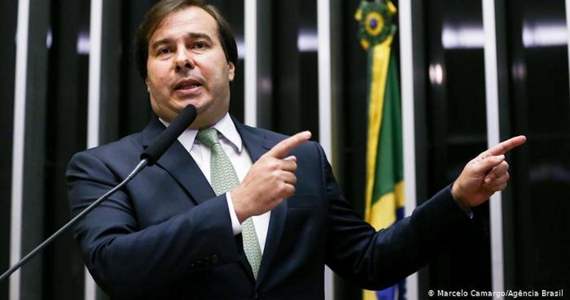 Onde foi parar o centro na política brasileira?