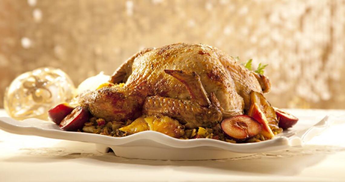 Americanos são incentivados a ficarem em casa no Dia de Ação de Graças devido aumento de covid-19