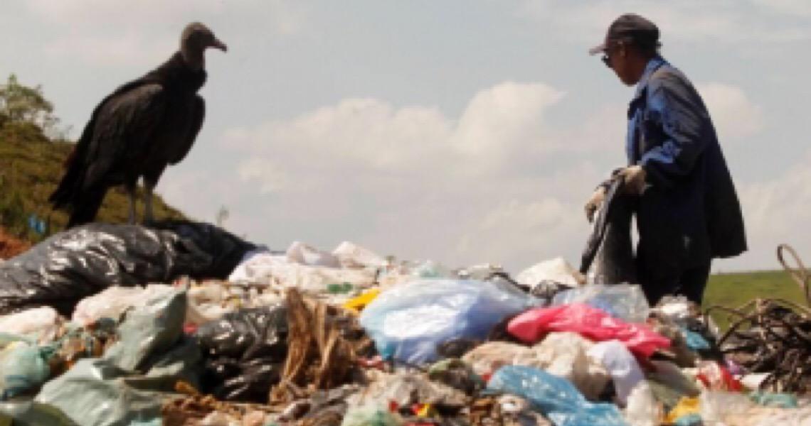 Municípios brasileiros devem acelerar criação de taxas para o lixo