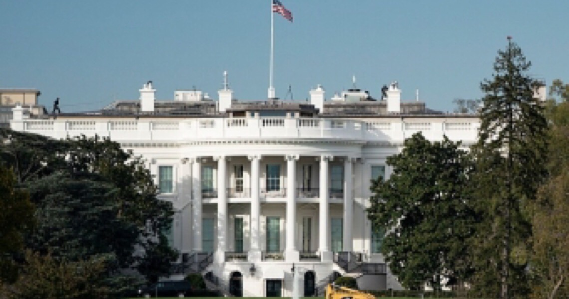 Casa Branca avalia suspender restrições de viagens do Brasil e da Europa