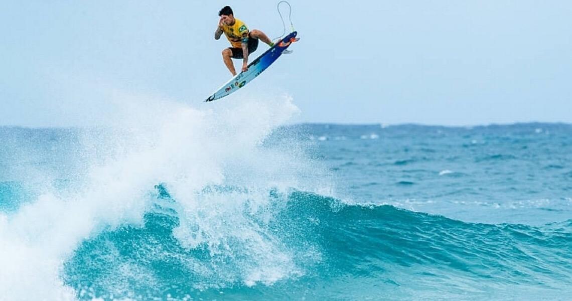 Com mais um patrocínio na prancha, Gabriel Medina embarca para o Havaí nesta quinta-feira