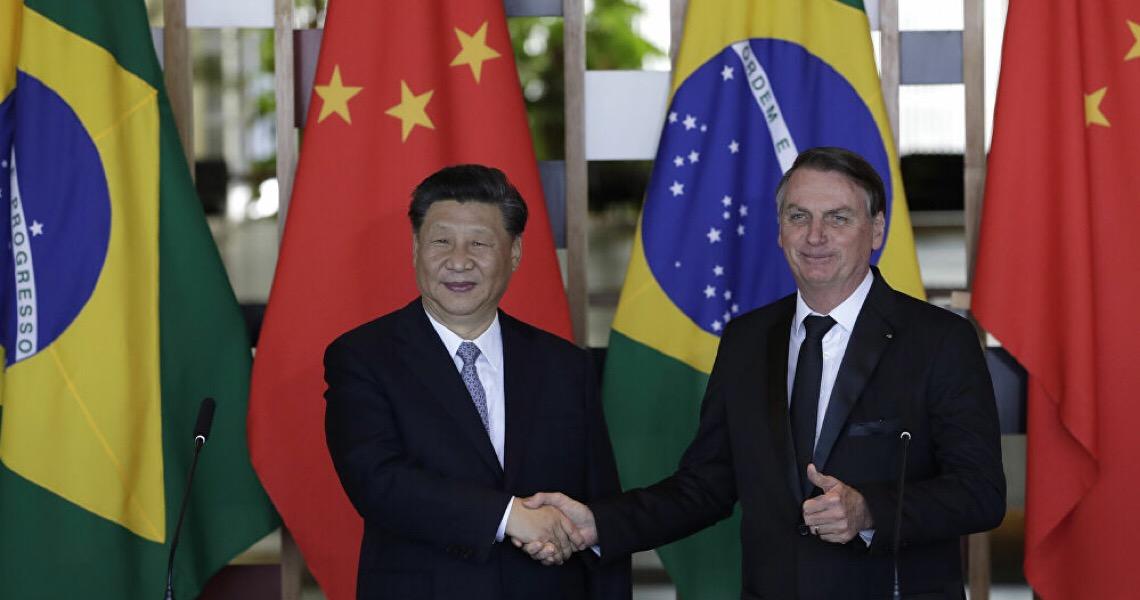 'Aversão à China' de Bolsonaro arrisca a vida de milhões de brasileiros, diz especialista