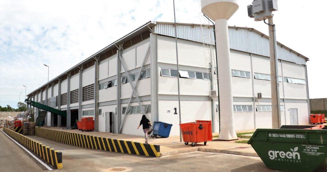 DF ganha um dos mais modernos centros de reciclagem do Brasil