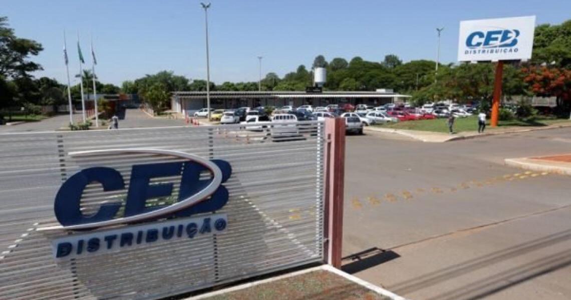 Suspensa privatização da CEB poucas horas antes do leilão