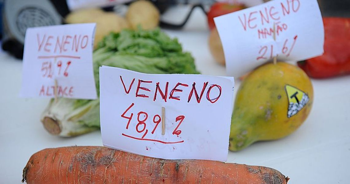 Com liberação recorde, governo fomenta violações com uso de agrotóxicos