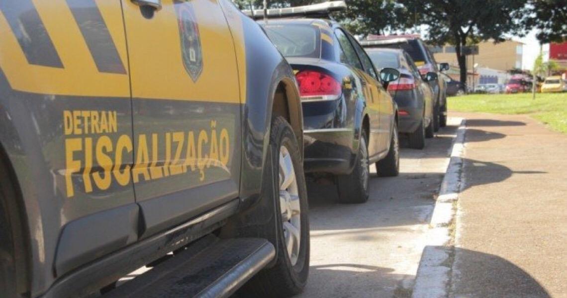 Brasiliense tem até março de 2021 para transferir veículos