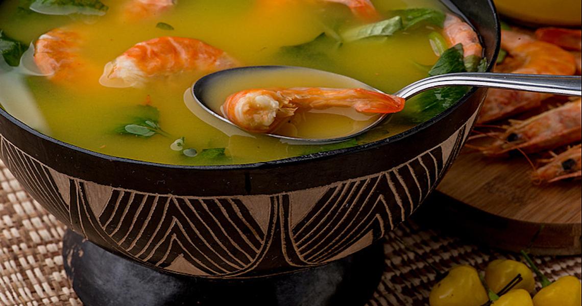 Tucupi: Conheça o delicioso caldo extraído da mandioca brava