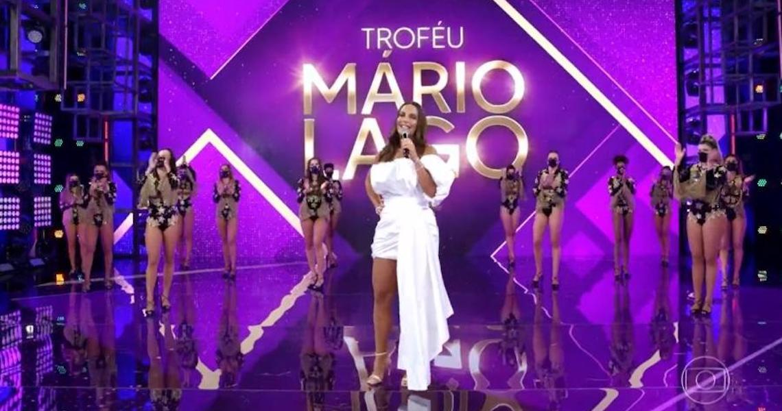 'Brasil é racista e homofóbico', diz Ivete ao receber troféu Mário Lago