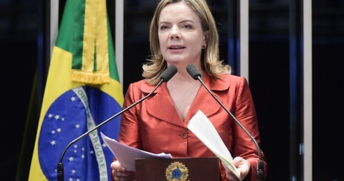"""Gleisi: """"Adesão do PT a bloco de Maia é para conter Bolsonaro, o mal maior"""""""