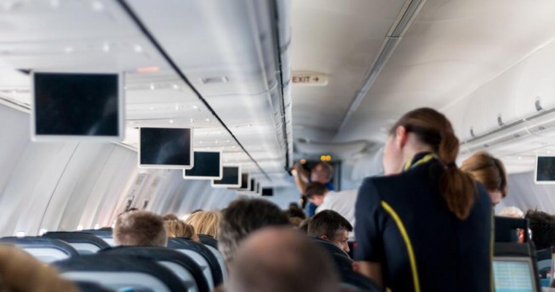 Viagem de avião: Veja 5 dicas para proteger sua audição