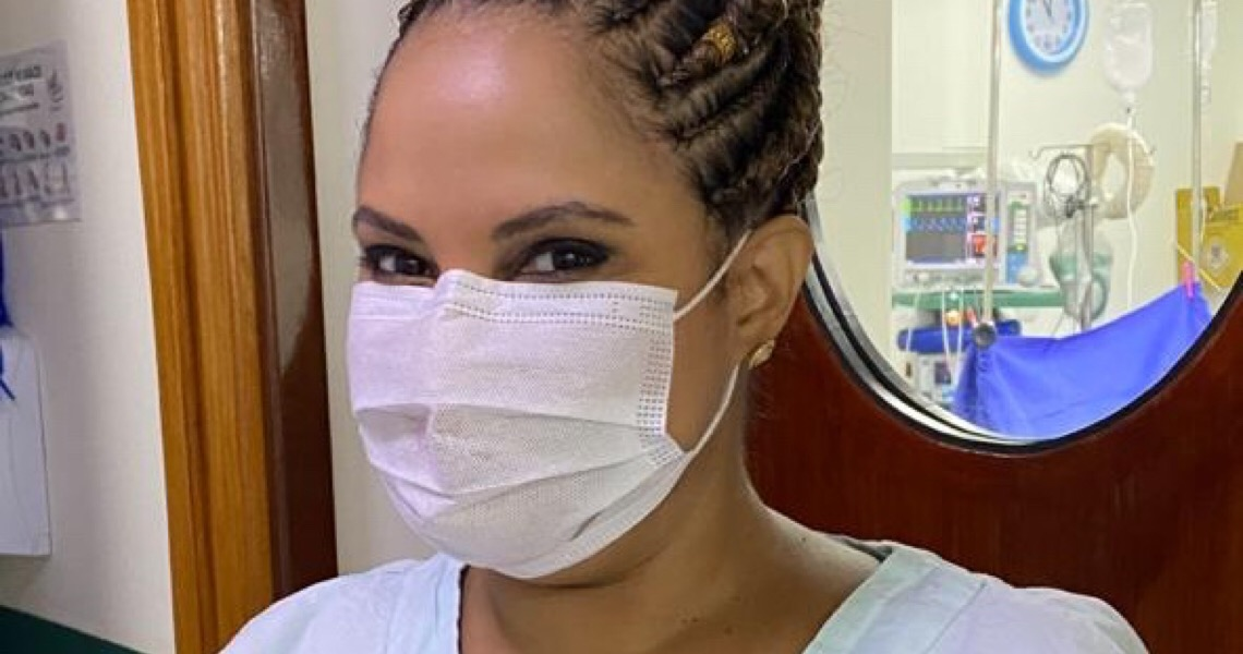 """Achava que era blindada contra o racismo"", diz primeira cirurgiã plástica negra do Brasil"