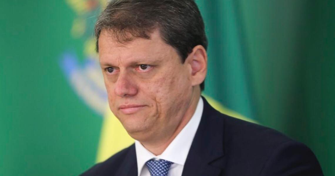Planalto tenta 'sujar' o melhor ministro, atribuindo a ele um erro que o governo cometeu