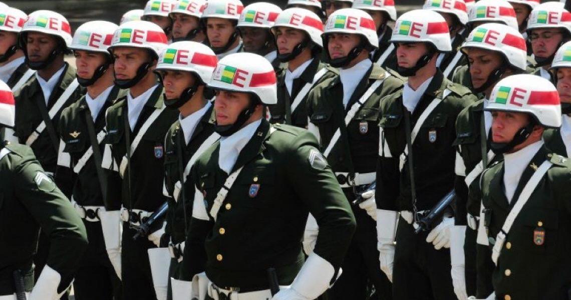 Militares das Forças Armadas rejeitam status de general na PM