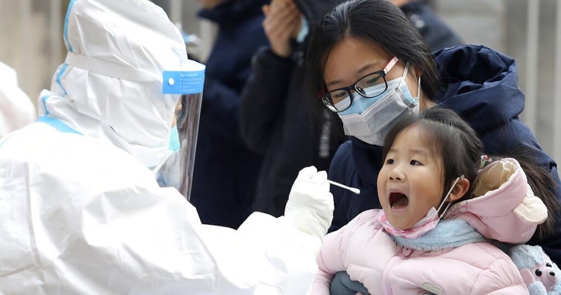 Pandemia já voltou à China, que coloca 20 mil habitantes de zonas rurais em quarentena