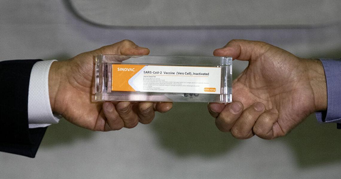 Cientista: Aprovação de vacinas fortalece ciência e democracia no Brasil