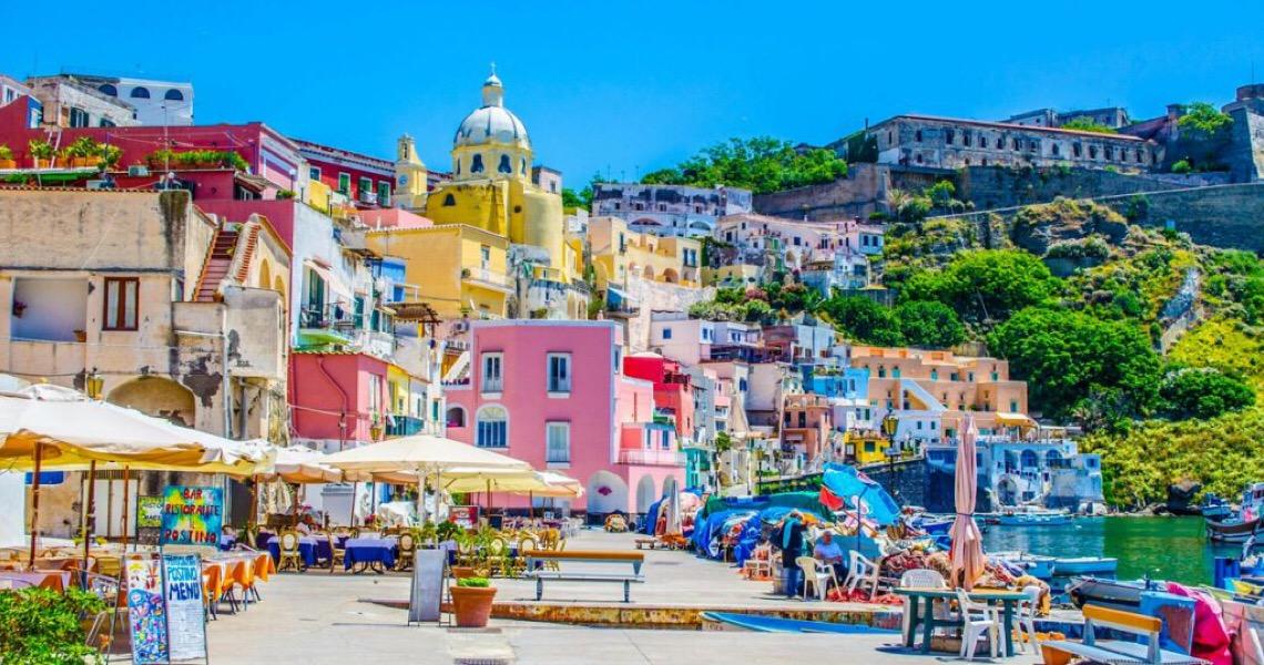 Ilha de Procida é nomeada como capital italiana da cultura de 2022