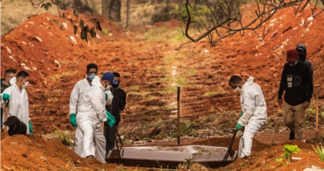 Polarização política provocou aumento de mortes por covid-19, diz estudo