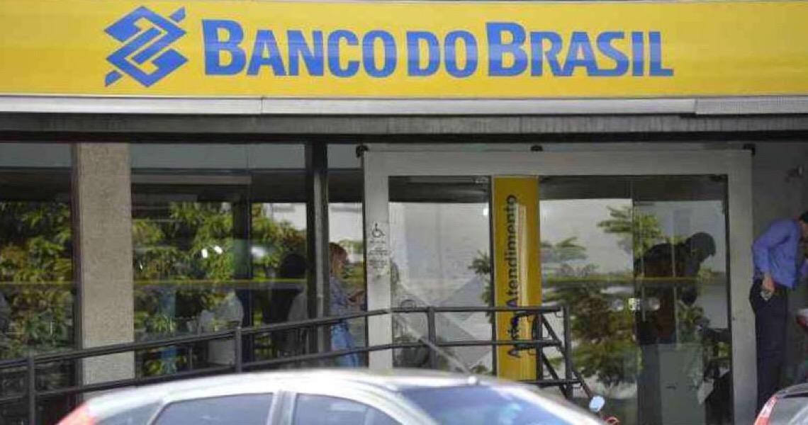 E Jair Bolsonaro piou em relação ao presidente do Banco do Brasil