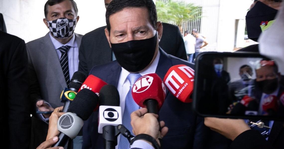Hamilton Mourão critica impeachment, mas defende freio se país estiver em risco