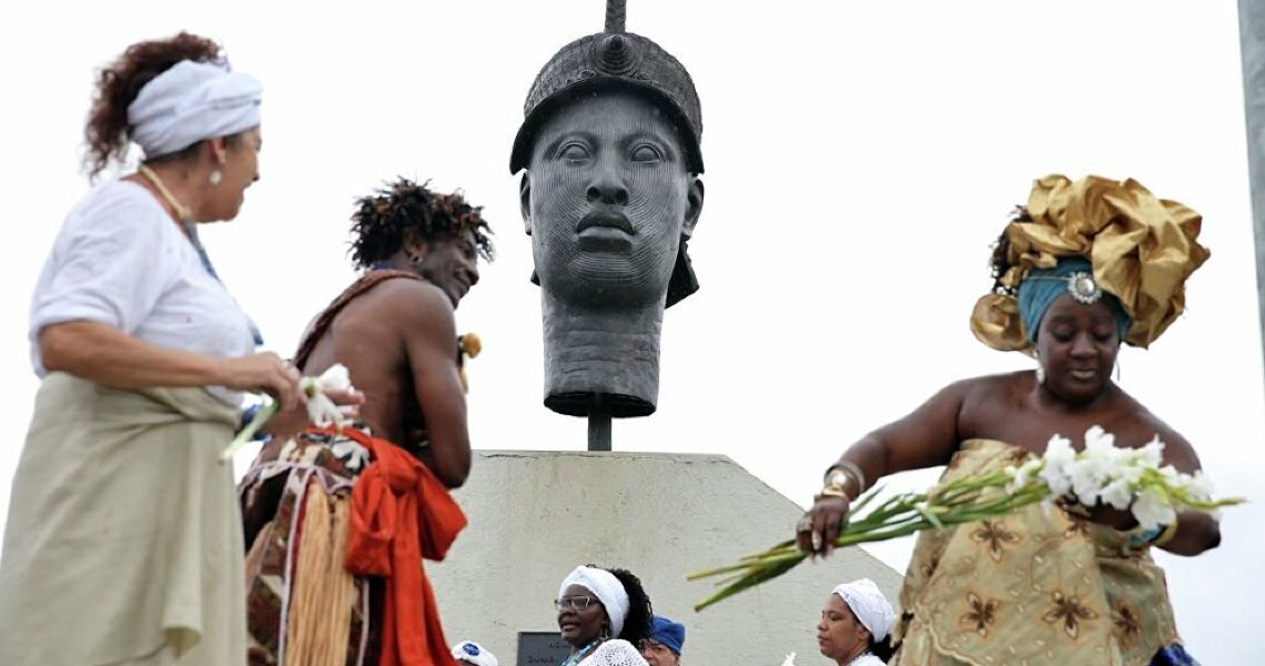 Com tráfico e milícia, intolerância religiosa reflete a política no Brasil, dizem pesquisadores