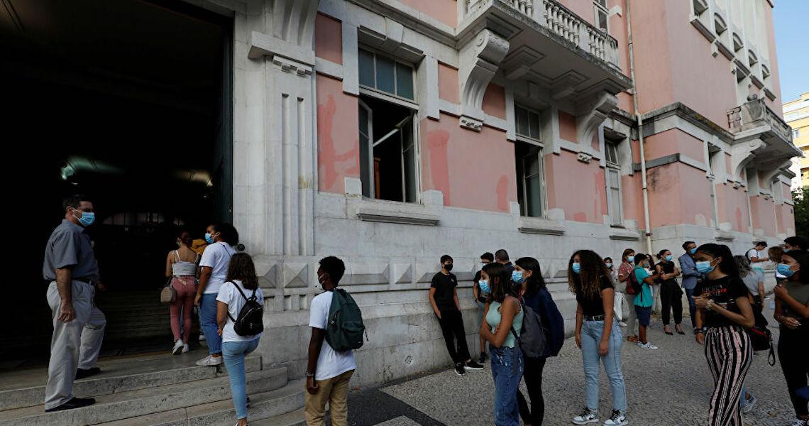 Apesar de lockdown, Portugal lidera média de casos da Covid-19 per capita