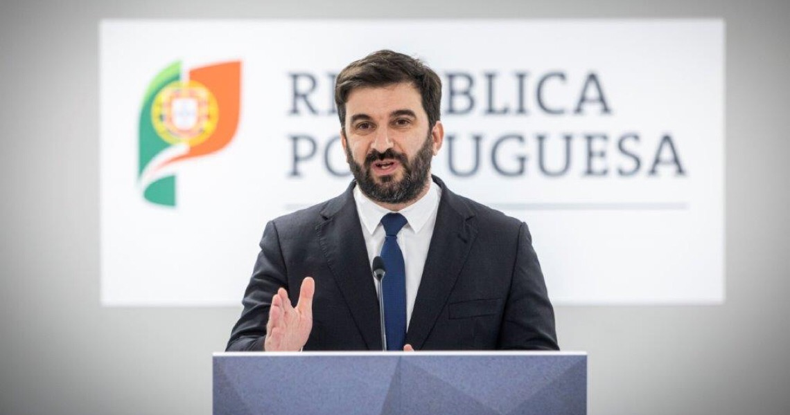 Portugal reorganiza calendário letivo devido ao confinamento