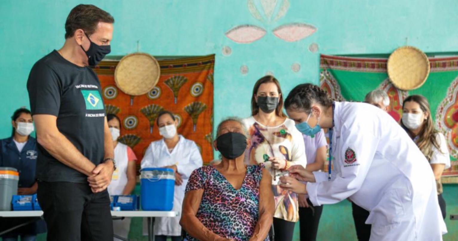 Doria acompanha vacinação de quilombolas de Eldorado, ofendidos por Bolsonaro