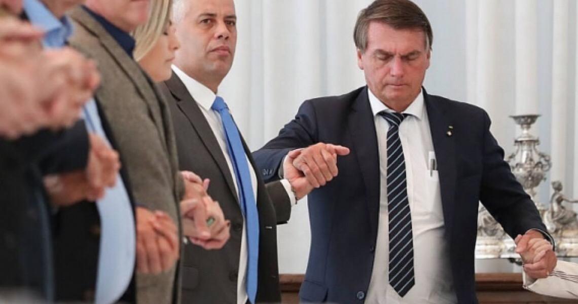 O presidente Jair Bolsonaro é um parasita das iniciativas alheias