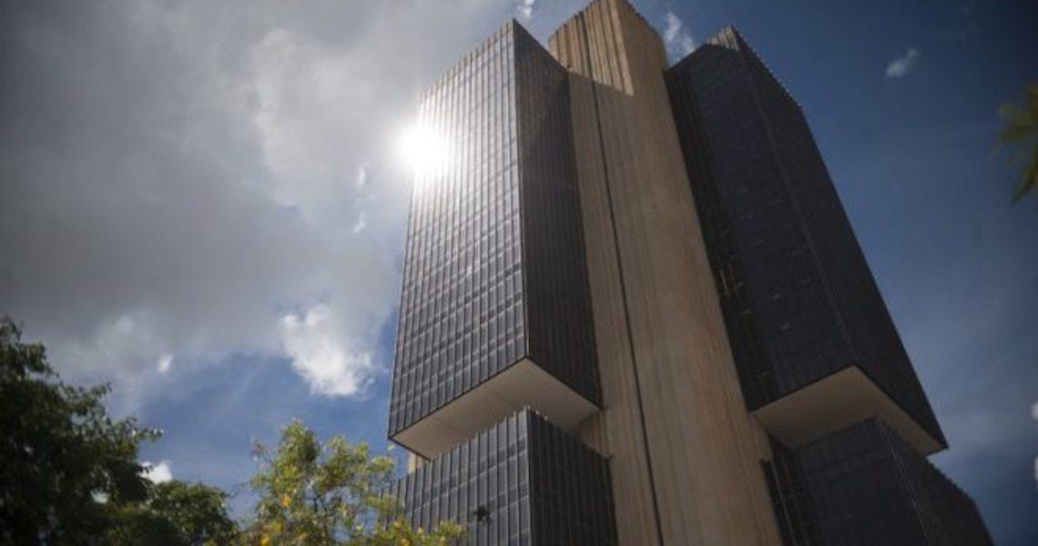 Incertezas políticas e fiscais mantêm estrangeiros cautelosos com o Brasil