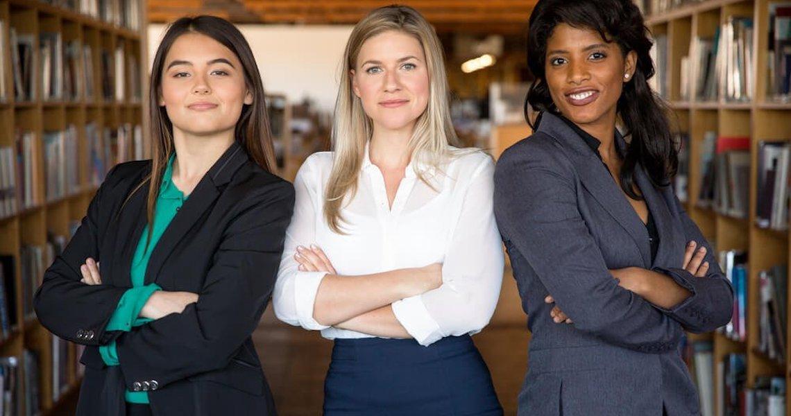 Livro reúne cartas de mulheres sobre experiências no mercado de trabalho