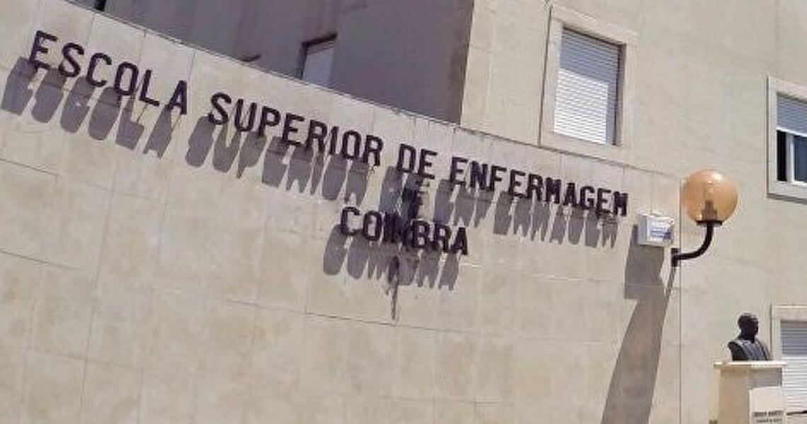 Sem poder exercer profissão em Portugal, enfermeiros brasileiros trabalham em restaurante e fábrica