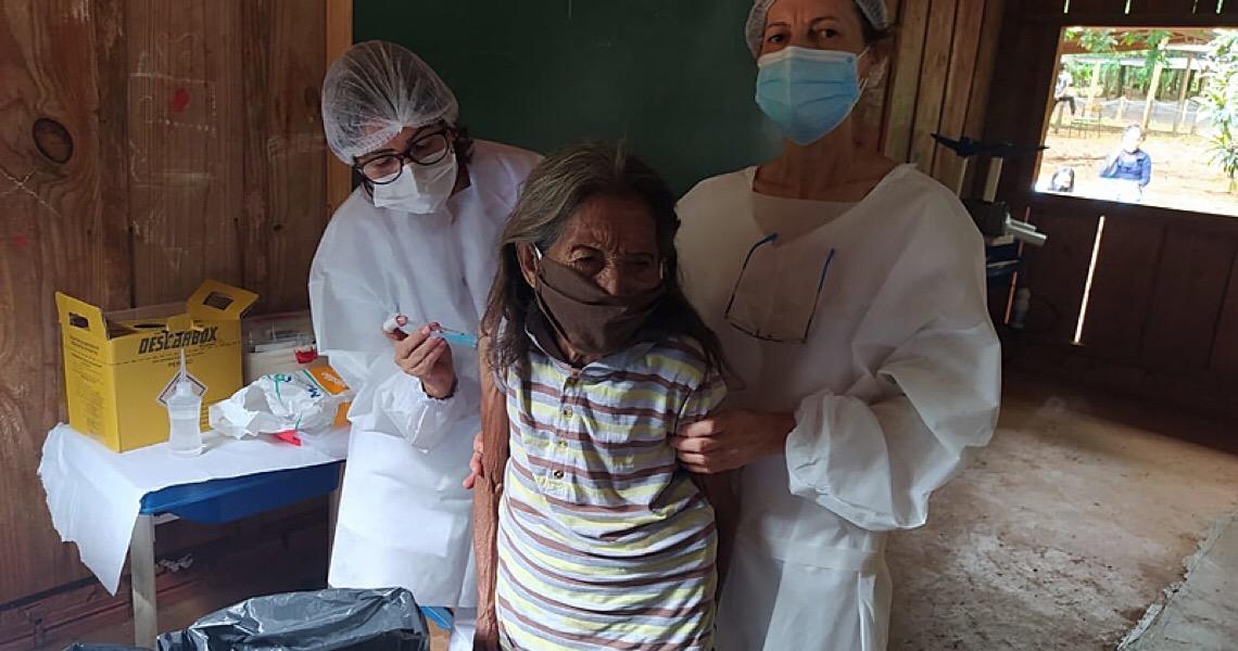 """Ataques a indígenas vacinados: """"Imuniza essa peste que não produz nada"""