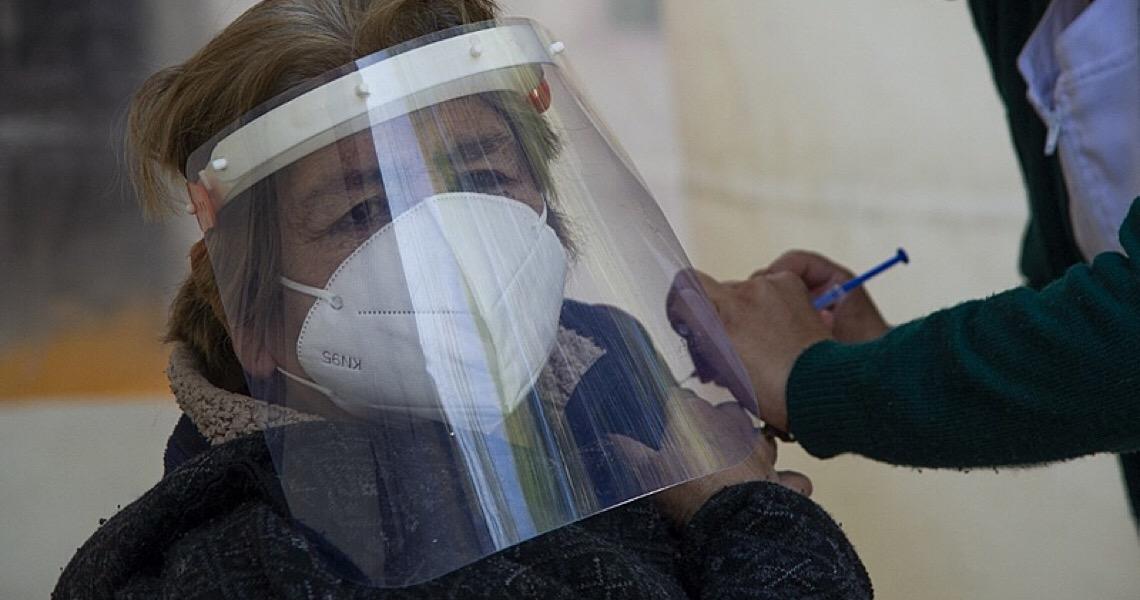 Sete vezes em que Bolsonaro e seus aliados contribuíram para a falta de vacinas
