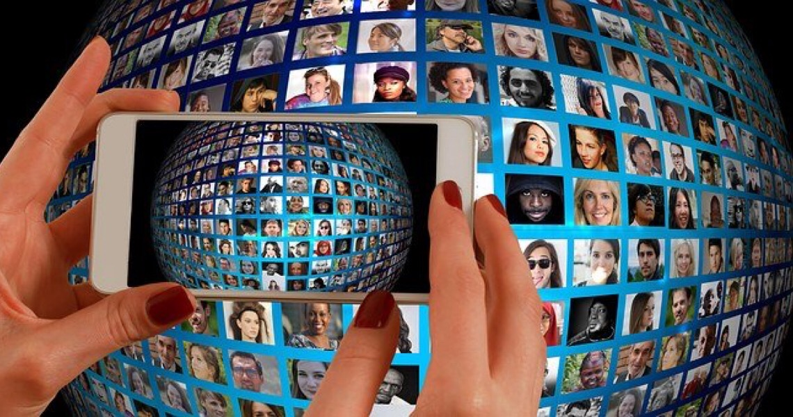 Especialistas alertam: 'Vida perfeita' em redes sociais pode afetar a saúde mental