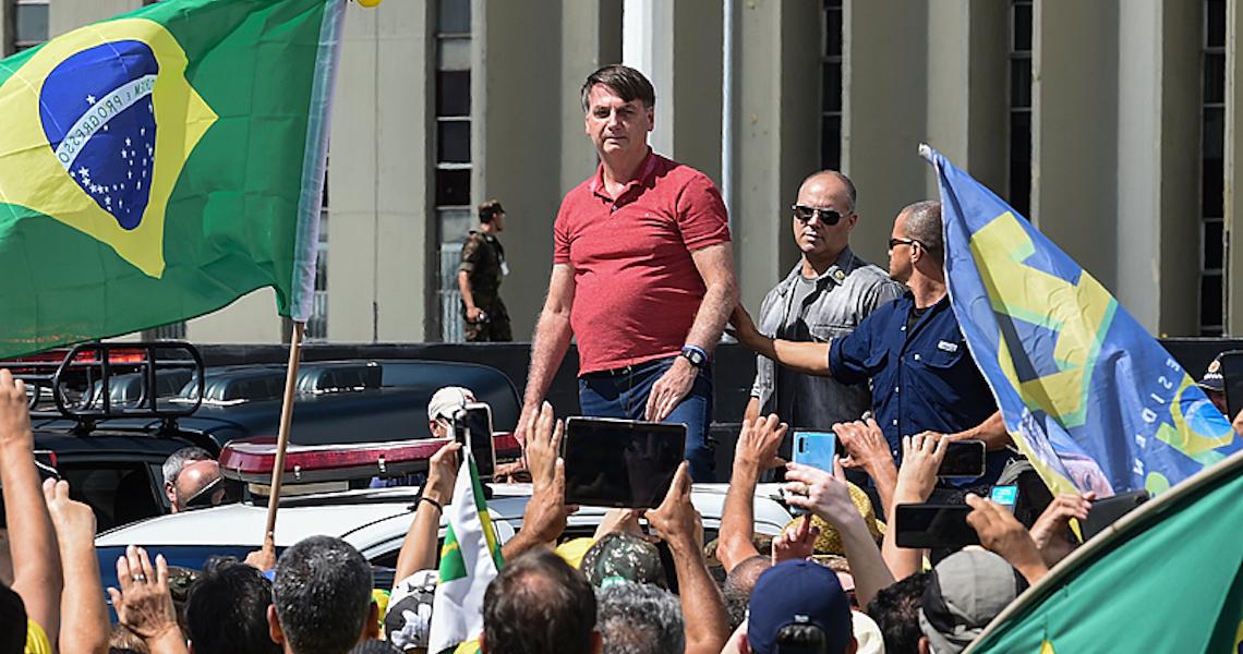 Apesar da queda de popularidade, aprovação de Bolsonaro ainda não é ruim, diz especialista