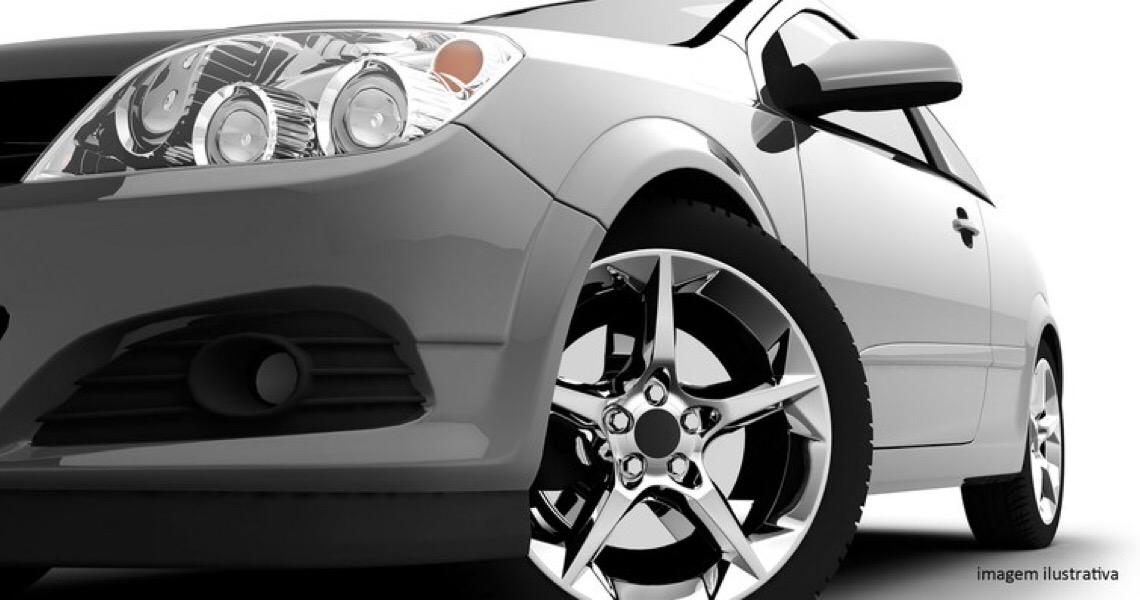 Justiça suspende apreensão de carro de luxo de deputado mas mantém condenação por má fé