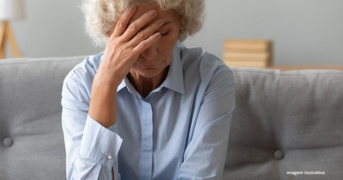 Justiça determina que servidora com mais de 65 anos não pode atuar em área de risco de Covid-19