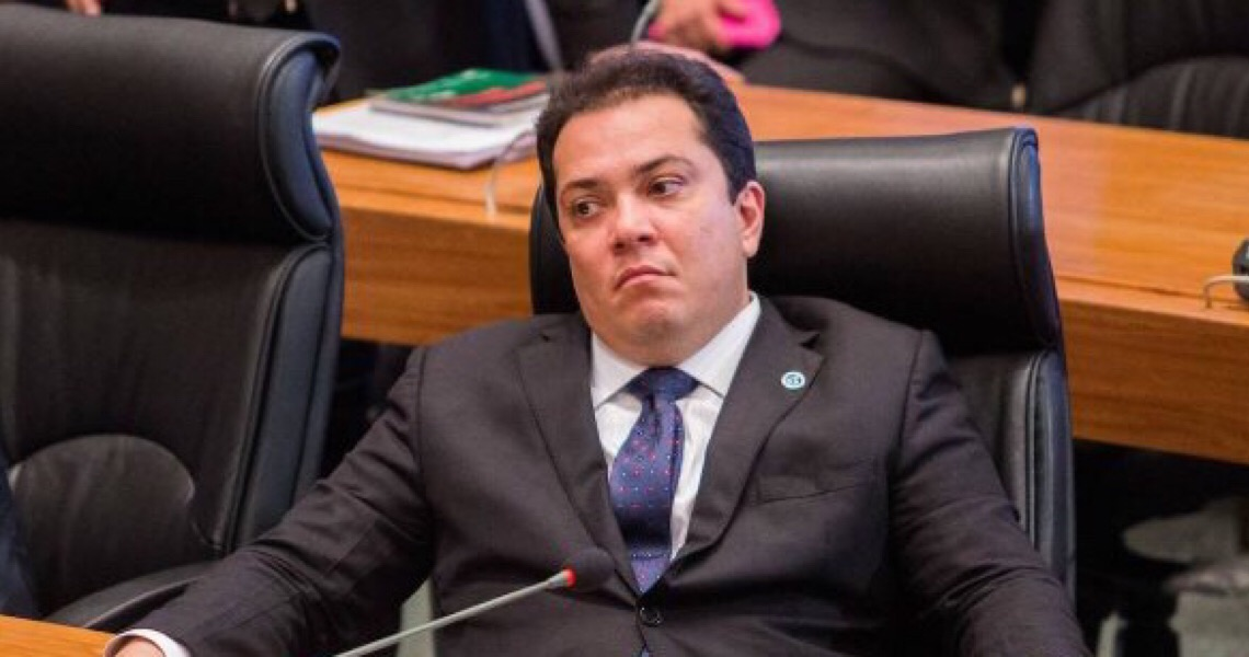 TRE-DF mantém mandato de José Gomes na CLDF