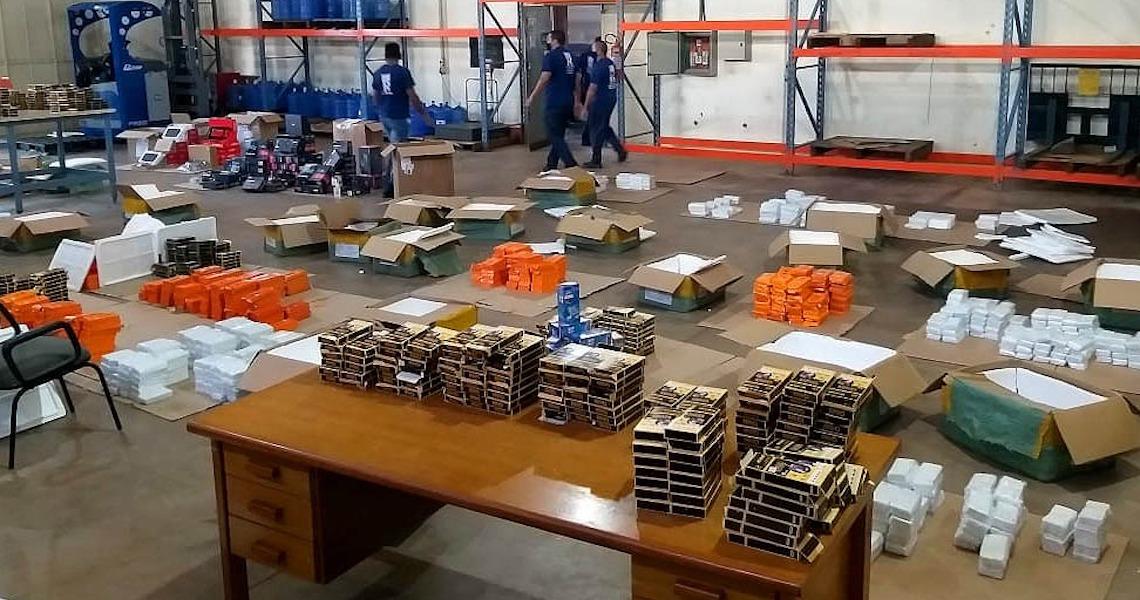 Operação da Receita do DF apreende R$ 1 milhão em eletrônicos