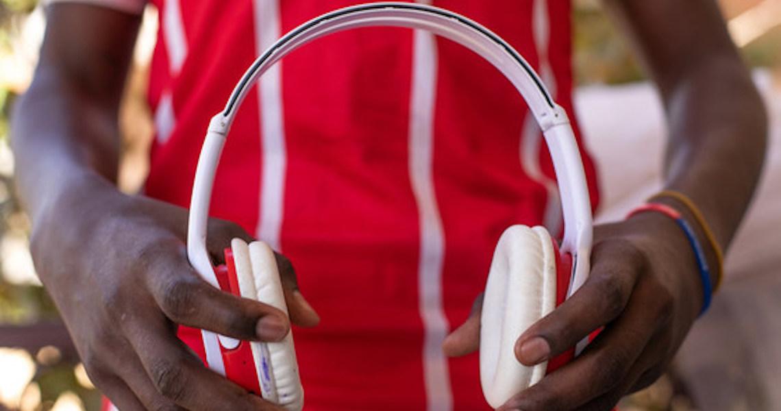 Cerca de 2,5 bilhões de pessoas podem sofrer perda auditiva até 2050