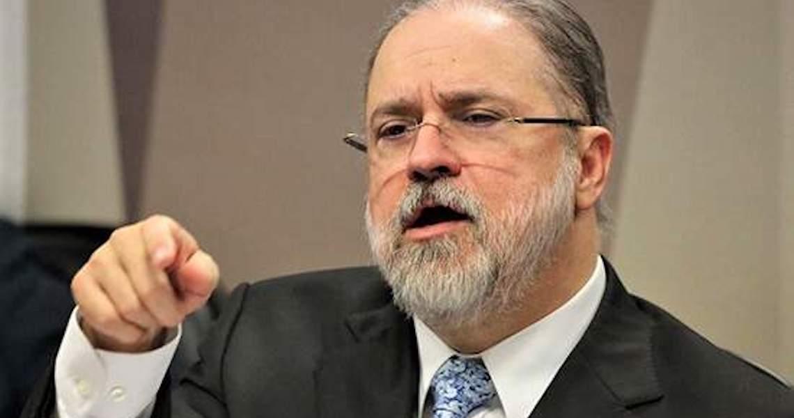 Aras diz que lutará com 'unhas e dentes' contra decisão de Fachin que rejeitou arquivamento de denúncia contra Lira
