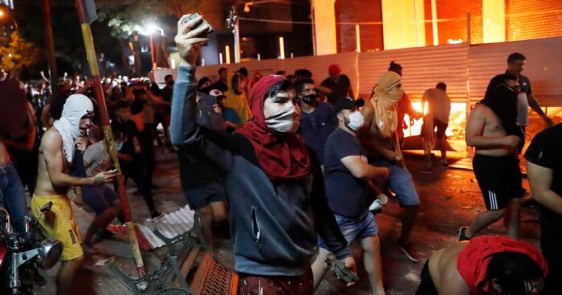 Crise política por má gestão da pandemia se acirra no Paraguai
