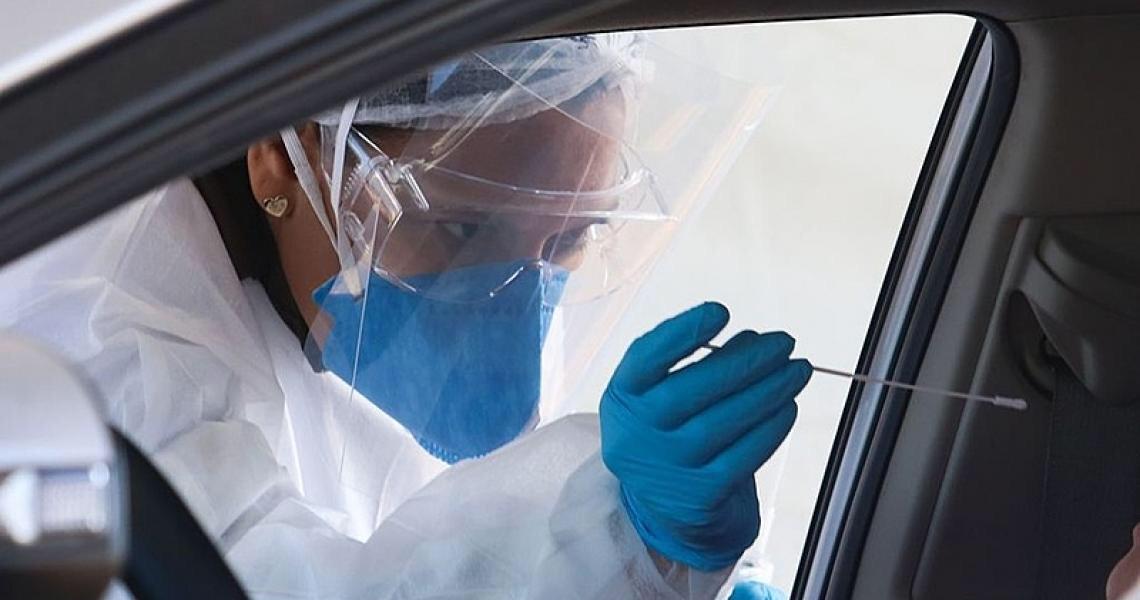 Mais mortes, coinfecção e novas variantes: O combo de desafios da pandemia no Brasil