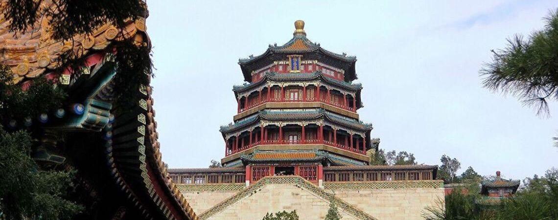 Máscara de ouro e mais 500 artefatos são descobertos em fossos de sacrifício na China