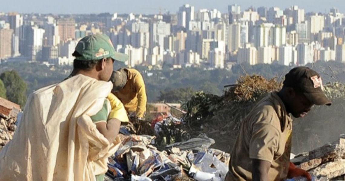 Notícias do Liso do Sussuarão II : A dinâmica recente da pobreza e extrema pobreza em Minas Gerais