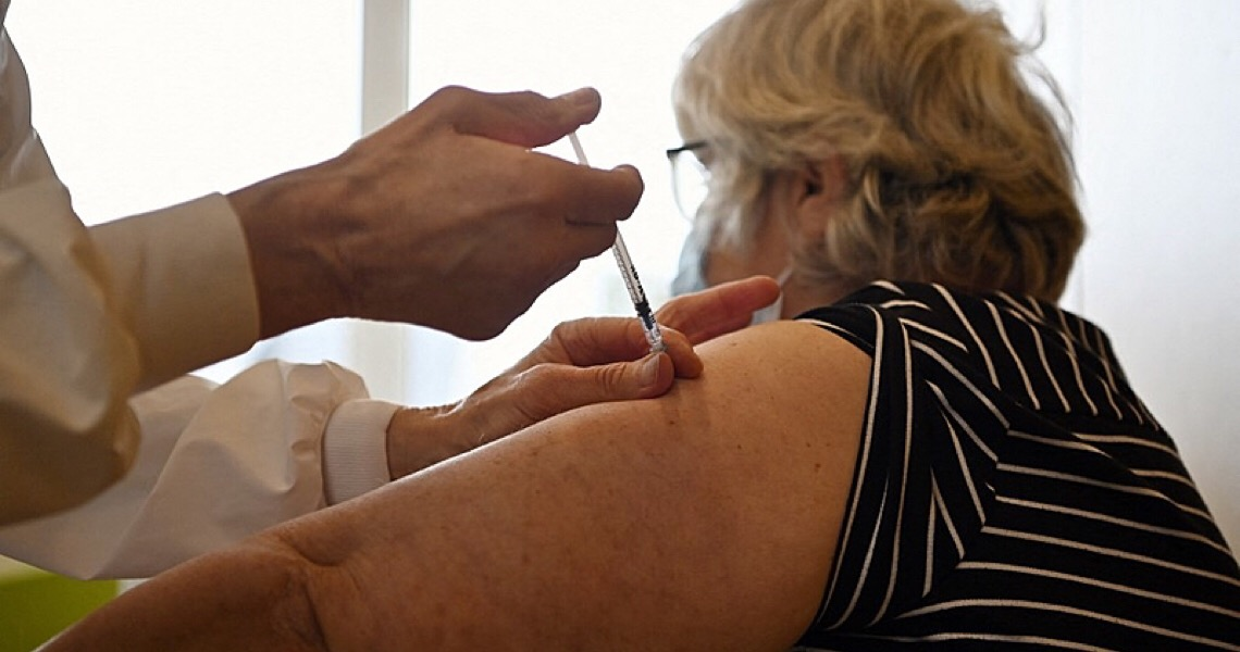 Entenda por que apenas 10 países dominam a vacinação contra a covid-19